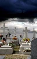 http://pabloga.com/es/files/gimgs/th-13_13_cementerio.jpg